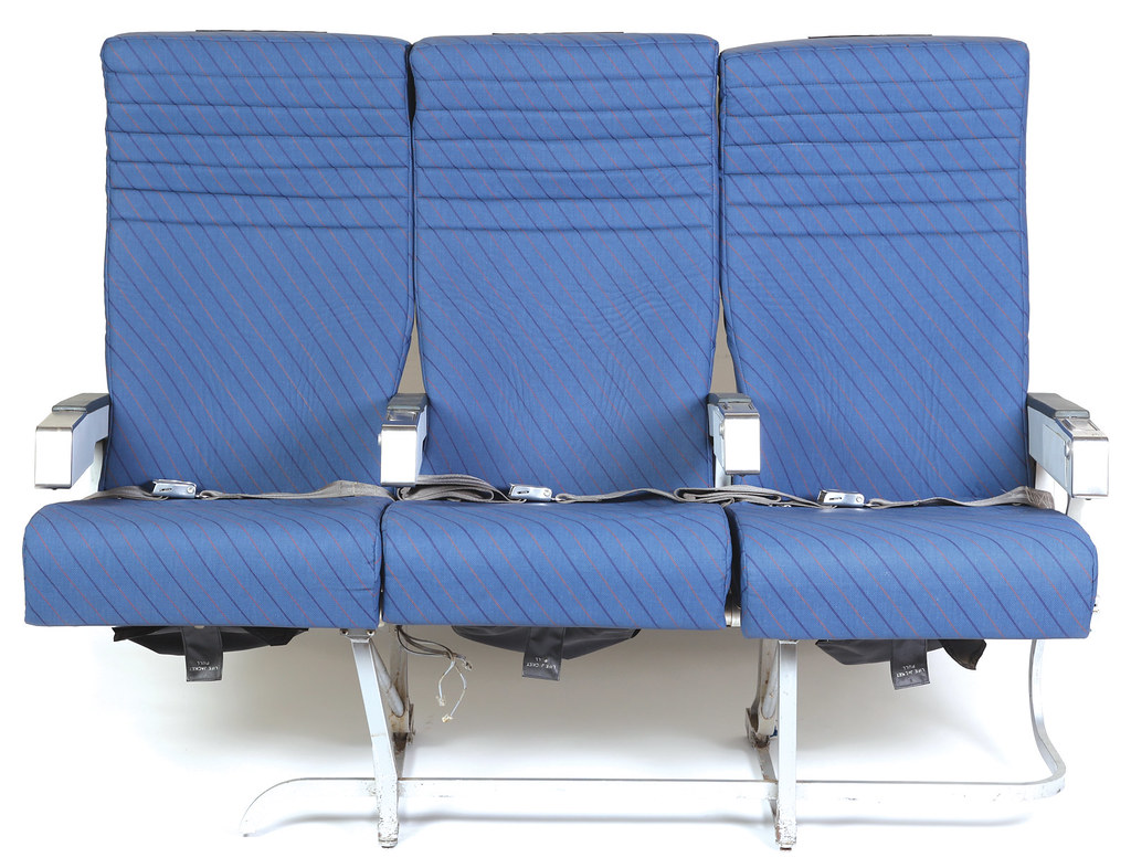 Row Of Oceanic Airlines Plane Seats