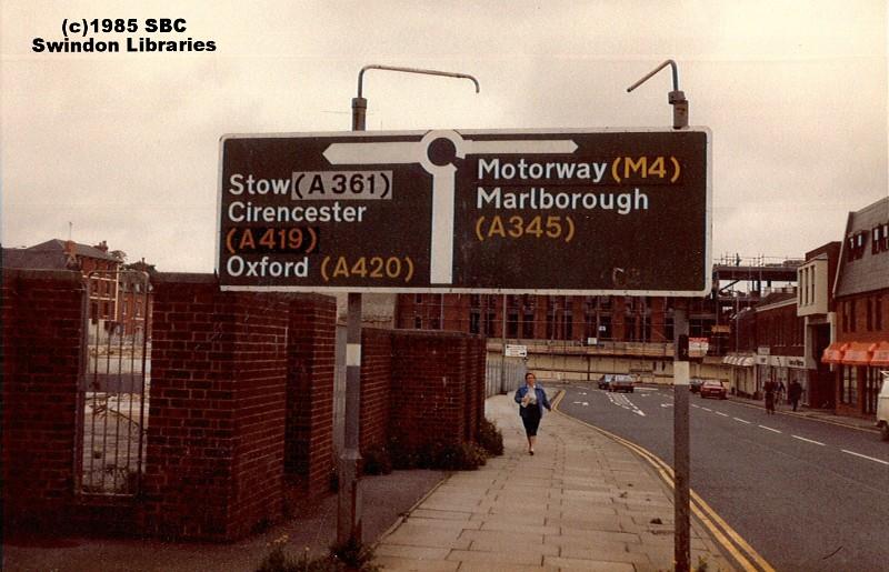 1985 Newport Street In Old Town Swindon Source Scan Of Flickr
