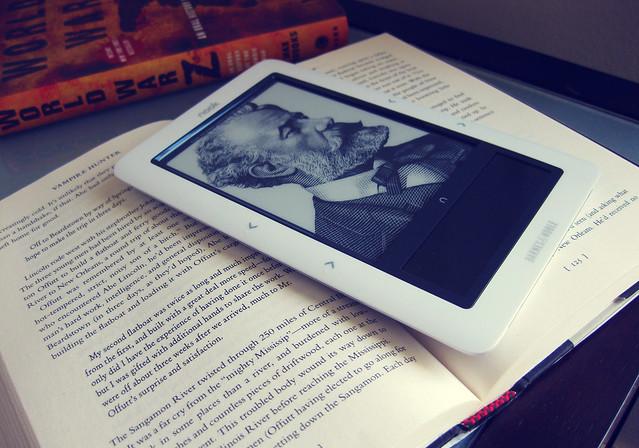 Электронная книга Nook наиболее приближена к печатному варианту