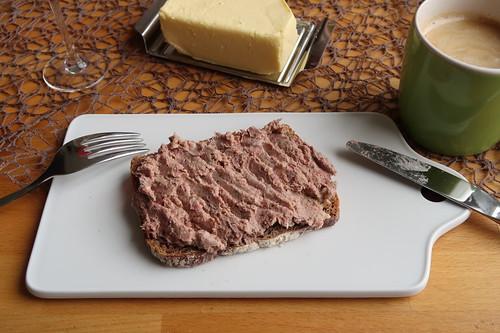 Leberwurst vom Bentheimer Landschwein auf 10-Korn-Brot
