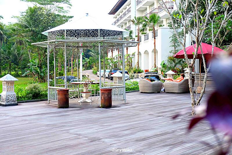 stupa restaurant magelang 1