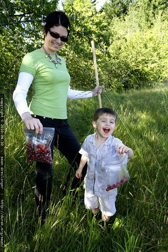 triumphant mother and son cherrypickers