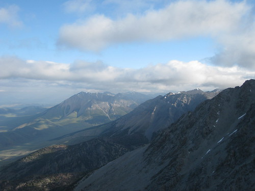 Other mountains in the Lost River Range from the Borah Peak trail.