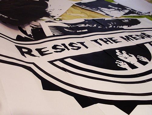 Resist*the*Media*set'up*||