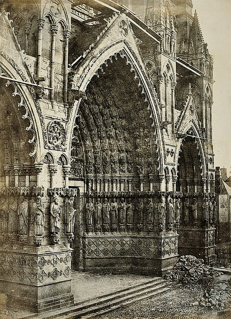 Cathedral of Nôtre Dame, Amiens, by Henri Le Secq 1851