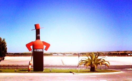 Tío Pepe posando en el aeropuerto de Jerez, Las Palmas, España