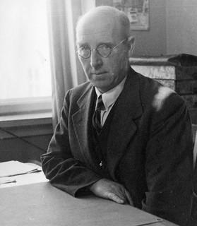 Professor Tor Eika (1887 - 1974)