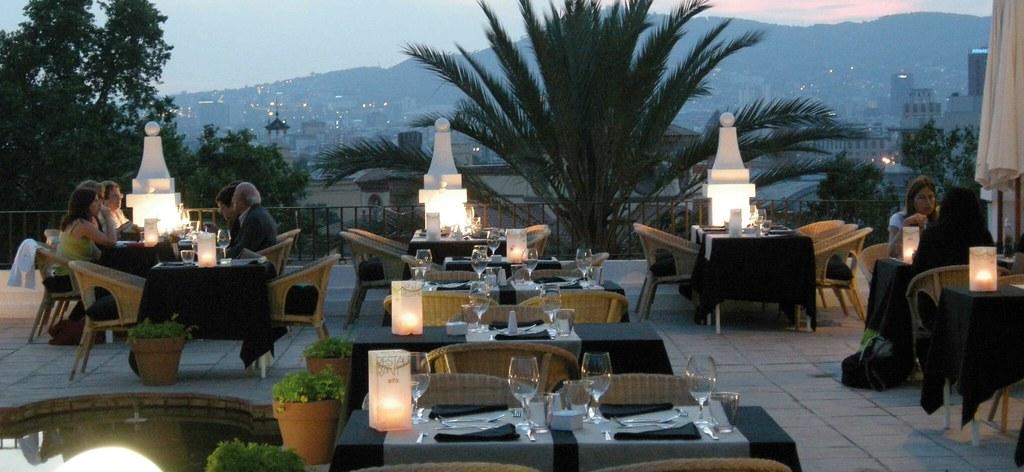 Decoracione estiloe el restaurant del grec se llama sifÓ