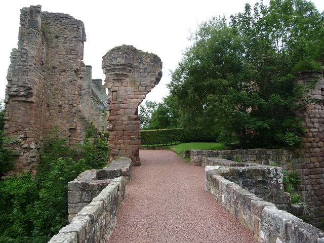 Roslin Castle, Roslin Glen