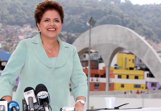Rio de Janeiro - RJ. Dilma Roussef no Complexo Esportivo da Rocinha