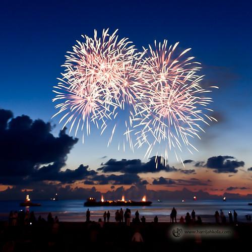 Netherlands_-_Scheveningen_(Fireworks_V)-2.jpg