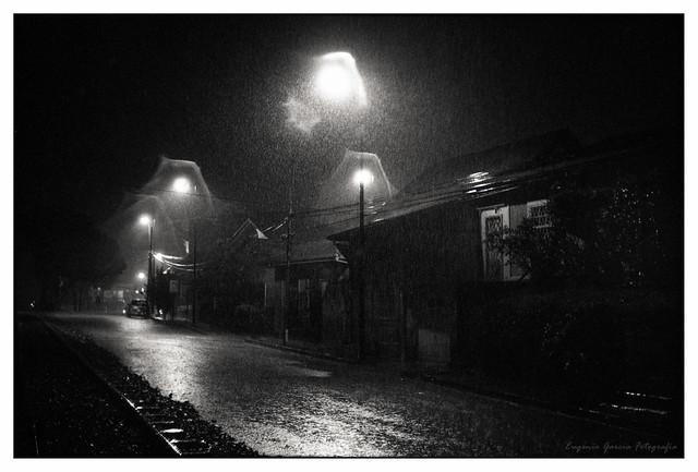 28-Noche lluviosa en Barrio Otoya