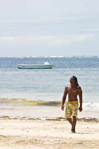 boy beach kenya cottage spiaggia malindi dorado
