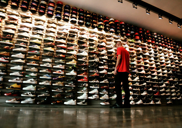 Jul 08, · If you love sneakers you need to visit Flight Club. Beware they are overpriced, especially for sneakers that are still available at your local Footlocker or Champs. But if you are looking for a rare sneaker that you just have to have this is the place /5().