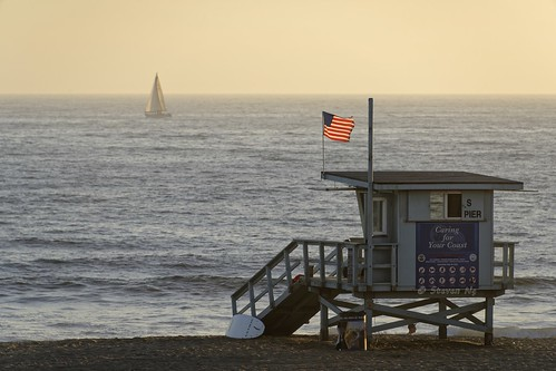 manhattanbeachpier california nikkor28300mmf3556gvr sunsetsail yachtsunsetsailing d810 nikongp1 nikoncapturenx2