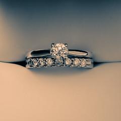 headpiece(0.0), ring(1.0), jewellery(1.0), diamond(1.0), platinum(1.0),