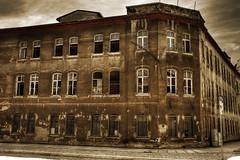 Zerfall & Ruinen - Häuser und Gebäude / abandoned buildings