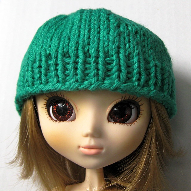 Knitting Patterns For Toques : Knit Doll Beanie/Toque Free knitting pattern for Blythe ...