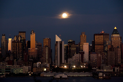 Full Moon over New York City July 25, 2010 | by Anthony Quintano