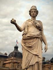 paris statue