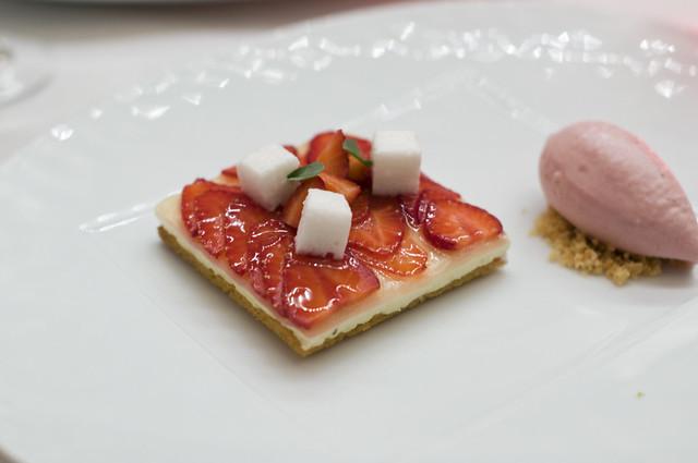 Cafe Boulud: strawberry tartelette