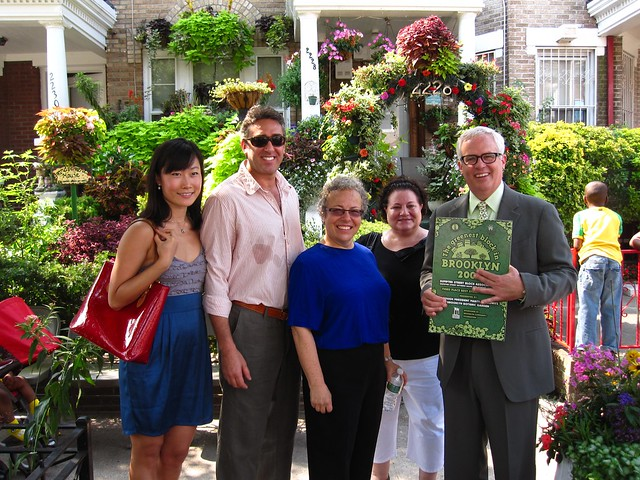 Greenest Storefront winner Burrito Bar (at 307 Flatbush Avenue) with BBG president Scot Medbury and the Brooklyn Community Foundation.