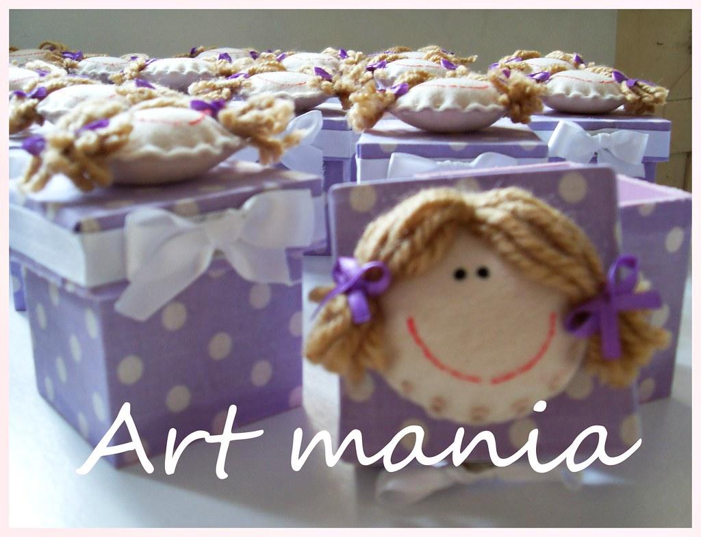Caixinha de mdf decorada com tecido e boneca de feltro