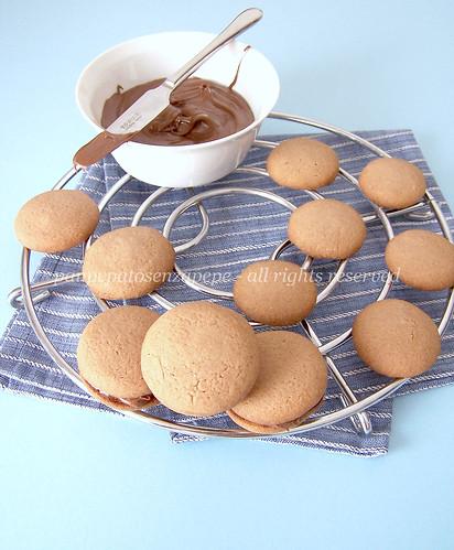 biscotti farciti al cacao