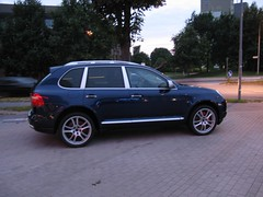 executive car(0.0), bmw x3(0.0), volkswagen touareg(0.0), automobile(1.0), automotive exterior(1.0), sport utility vehicle(1.0), wheel(1.0), vehicle(1.0), compact sport utility vehicle(1.0), rim(1.0), bumper(1.0), land vehicle(1.0), luxury vehicle(1.0), porsche cayenne(1.0),