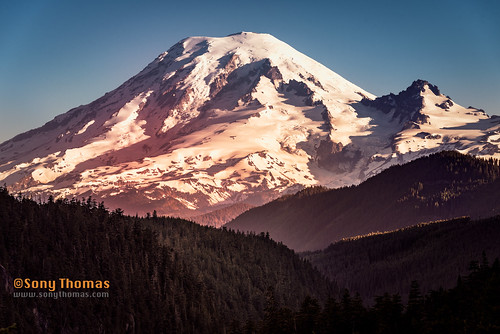 landscape mountrainier light randle washington unitedstates us
