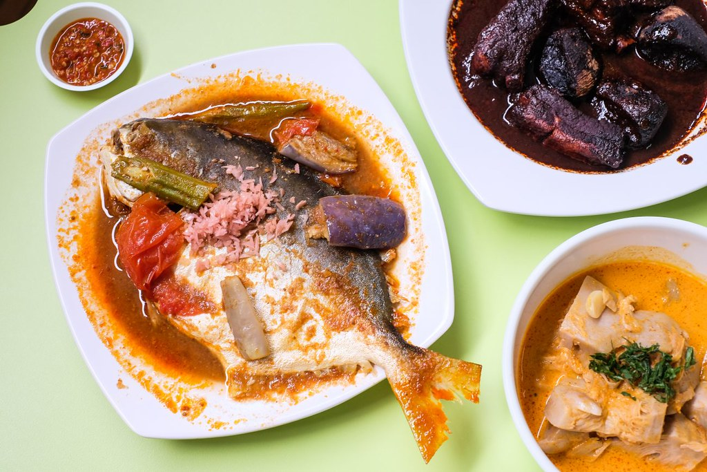 Golden Mile Food Centre: Charlies Peranakan