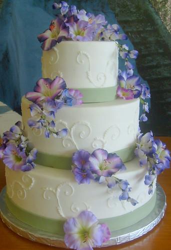Cake Decorating Bagshot : 1000+ images about Wedding Cakes on Pinterest Wedding ...