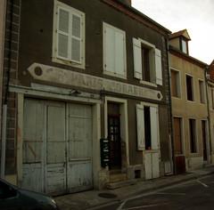 Seurre: ghostsign - Photo of Écuelles