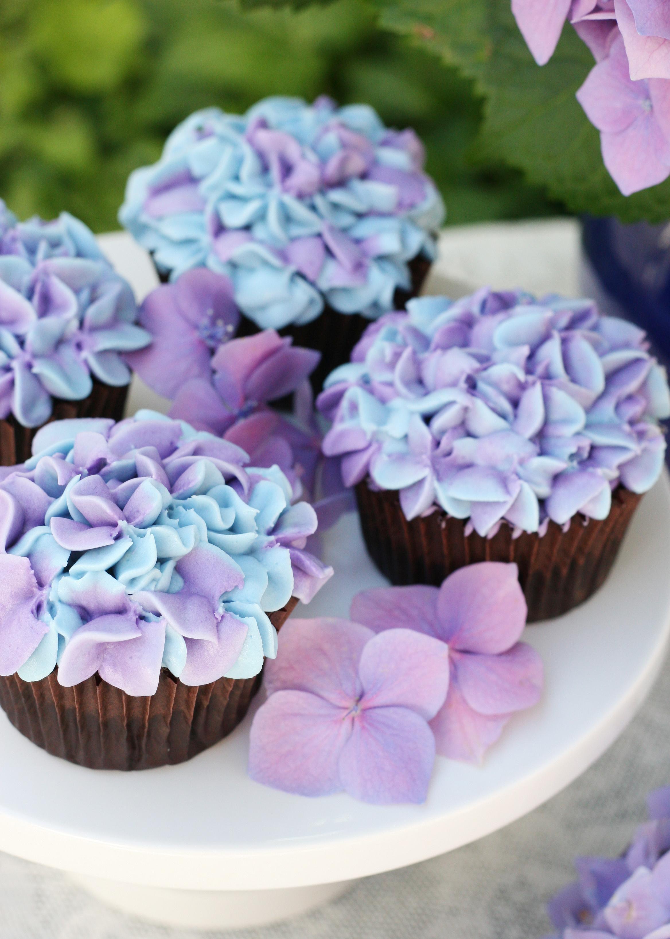 hydrangea cupcakes (hd) | rebrn