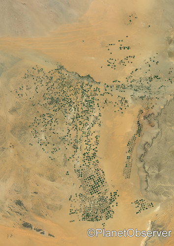 Agriculture in the desert, Saudi Arabia - Satellite image - PlanetObserver