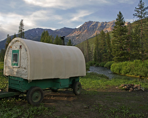 camp wagon idaho sheepcamp bigwoodriver bouldermtns lavalakelamb edminsterphotography