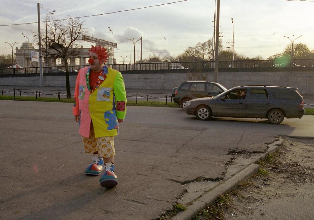 JJ 6(John Glick/Russia Clown Trip 2004)