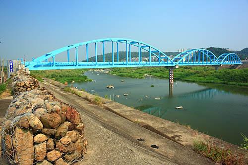 5L91鳳山溪自來水管橋