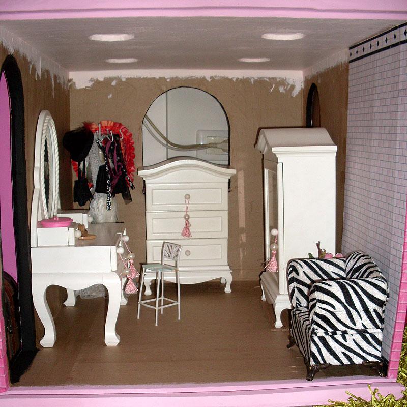 carton et chocolat maison de poup e de 40cm en carton la salle de bain 2. Black Bedroom Furniture Sets. Home Design Ideas