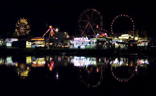 show county reflection wheel night 35mm dark fire lights pond pennsylvania farm g fair symmetry ring nighttime butler late rides nikkor f18 afs farris dx concessions