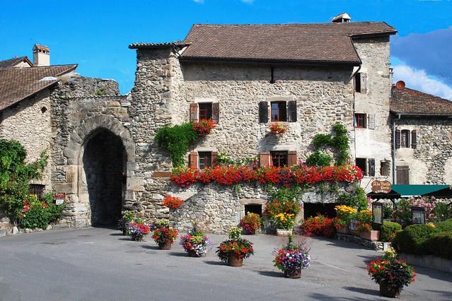 Фотографии Ивуара, Ивуар достопримечательности, путеводитель, Yvoire, что посмотреть, самые красивые деревни Франции