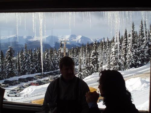 ski view lodge icicle skihill