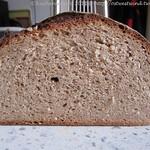 ©Weizenbrot mit Vollkornanteilen und einem Mehrkorn-Brühstück 002