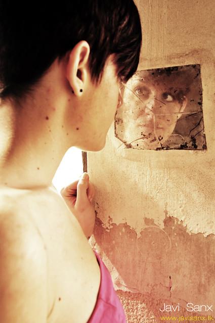 La imagen no está en el espejo sino en los ojos con que te miras