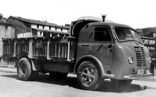 Pegaso de benzina de TRANSPORTS CAPDEVILA de Ripoll (Ripollès)