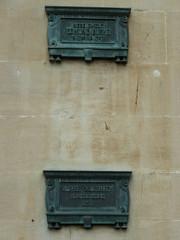 Photo of Edmund Burke bronze plaque