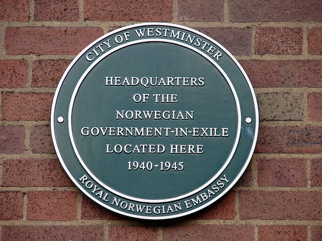 Norwegian Government in Exile green plaque - Headquarters of the Norwegian Government In Exile located here 1940-1945