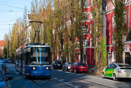 Nur bis zur Großhesseloher Brücke: Die Tram 25 kann derzeit nicht nach Grünwald fahren.