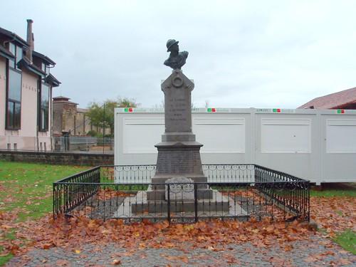 Lesgor (Landes): le monument aux morts