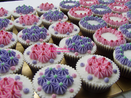 choc cupcakes with pastel deco aisha puchong jaya. Black Bedroom Furniture Sets. Home Design Ideas